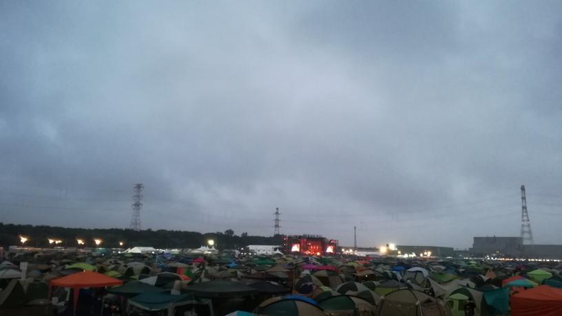 みんなテントに住んでいる